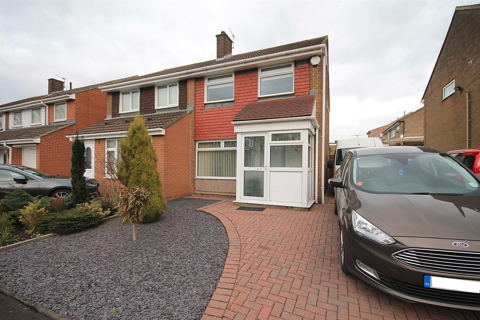 2 Bedrooms Semi Detached House for sale in Dene Drive, Carrville, Durham